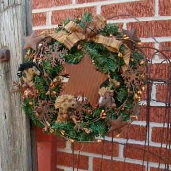 Primitive Pine Wreath - Ponies, Rusty Snowflakes - Vanilla and Tan Pip Berries with Rusty Stars