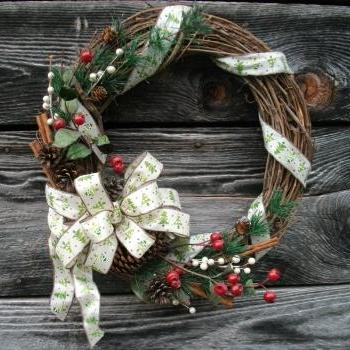 Traditional Christmas Wreath - 18in Grapevine Wreath - Artificial Greenery, Berries, Cinnamon Sticks, Wired Bow