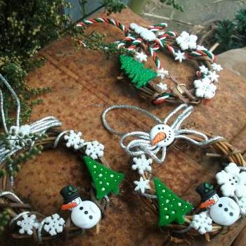 Traditional Mini Grapevine Wreaths -Snowman and Christmas Buttons - Christmas Tree or Swag Ornament